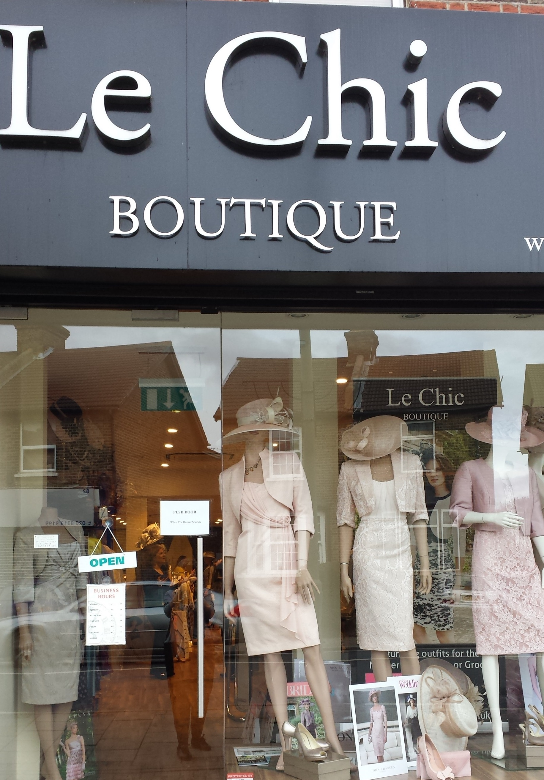 ..Le Chic Boutique - mother of the bride